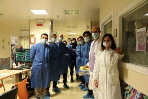 Il gruppo dei giocatori con i medici