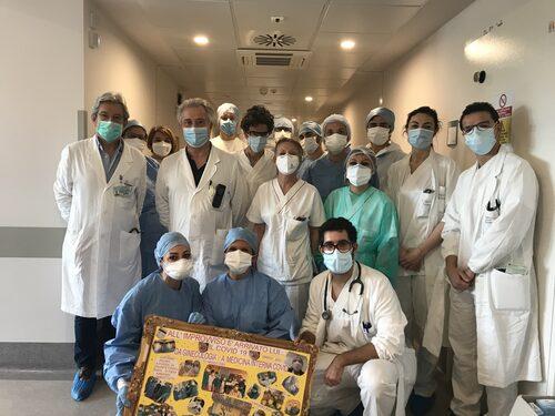 Il Prof. Pietrangelo, il dottor Brugioni con alcuni dei medici e degli infermieri